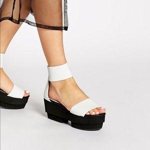 shellys london • white leather rocker sandal